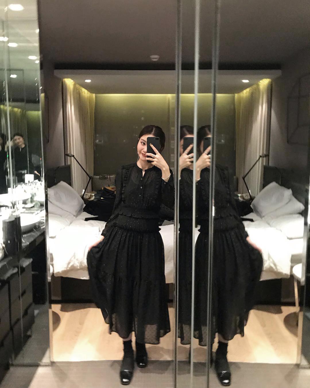 iWiNG 亮丝波点气质两件套小黑裙秋冬 连衣裙女2019过年新款女装