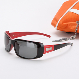 oyea欧野女士休闲眼镜太阳镜偏光运动镜 正品光荫1282黑色图片
