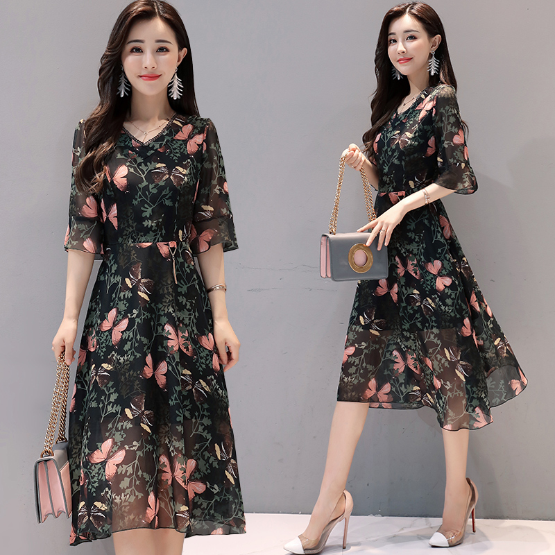 Spicy mothers day summer dress female Korean version 40 show thin 50 year old 35 to 45 skirt 55