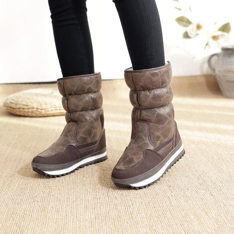 2019冬季新款羊毛时尚加厚防水防滑保暖滑雪轻便中筒棉鞋女雪地靴