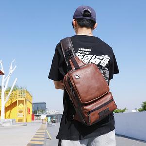 新款韩版小包青年挎包时尚旅行胸包大容量背包潮流男包单肩斜跨包