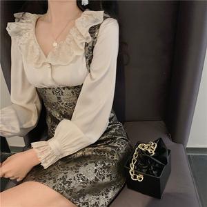 YF13639#   法式复古高腰背带连衣裙+V领蕾丝拼接衬衣套装 服装批发女装直播货源