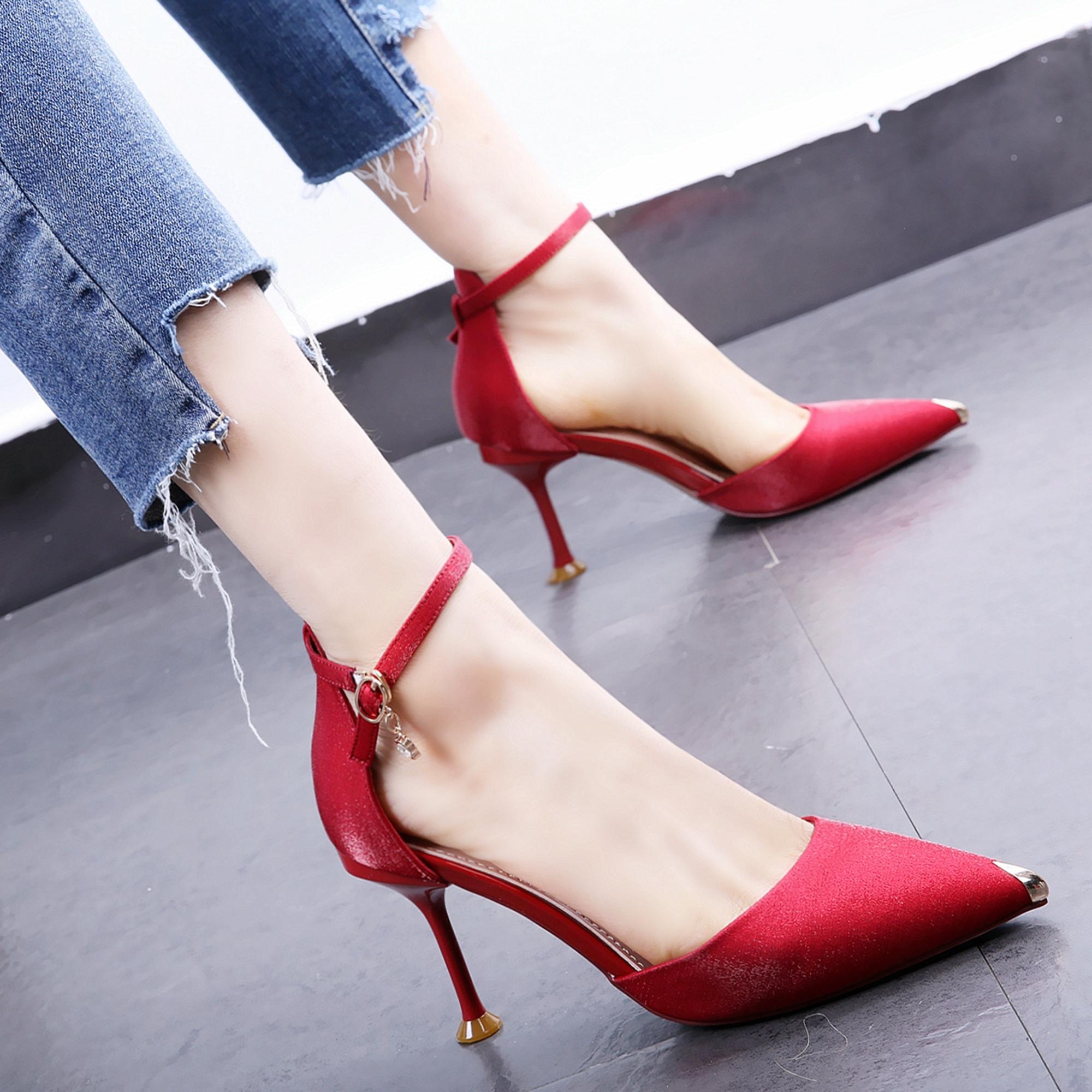限时2件3折红色礼服婚鞋19早春新款尖头金属头细高跟鞋绸缎面中空一字扣单鞋