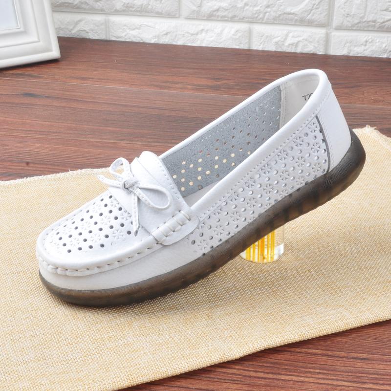 Mùa hè rỗng da thở trắng y tá giày phụ nữ giày phẳng đáy giày chống trượt mềm mại, giày thường lái xe thoải mái