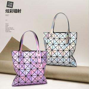 2020新款镭射包菱形折叠包几何菱格包时尚单肩包手提百变女士包包