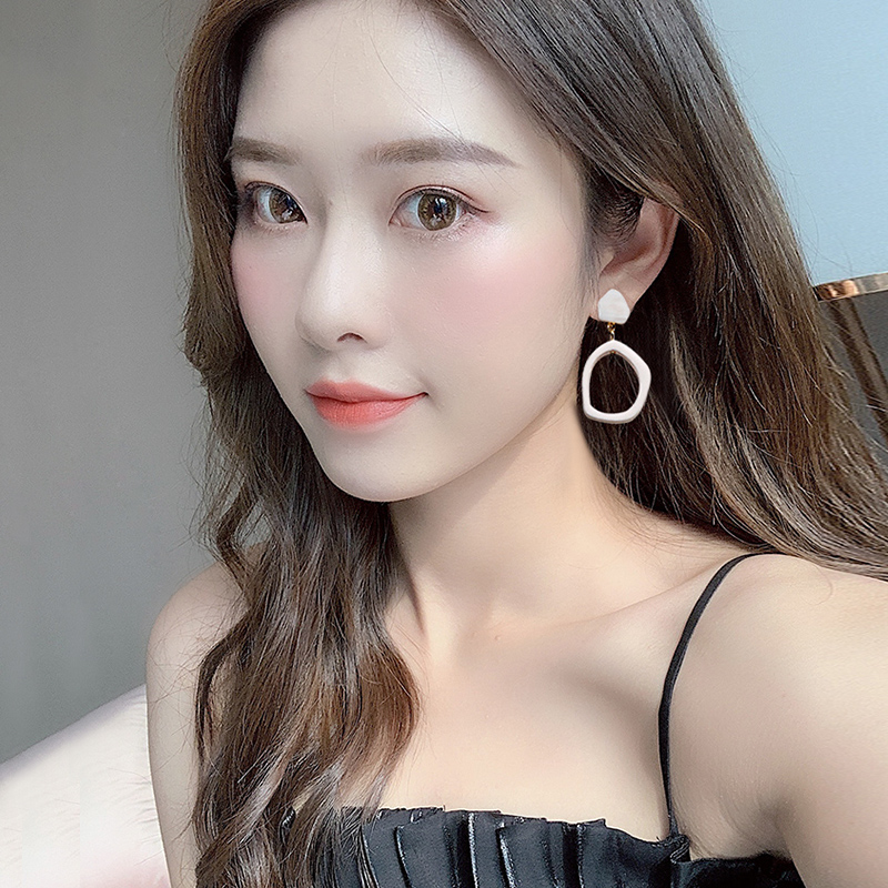 Earrings New Fashion in 2020 Korean temperament net red show thin circle summer white fashion leisure versatile Earrings