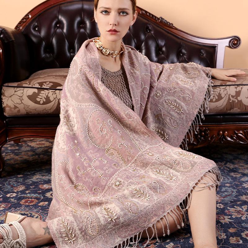 秋冬加厚羊毛保暖围巾女印度钉珠刺绣百搭干枯玫瑰色披肩波西米亚