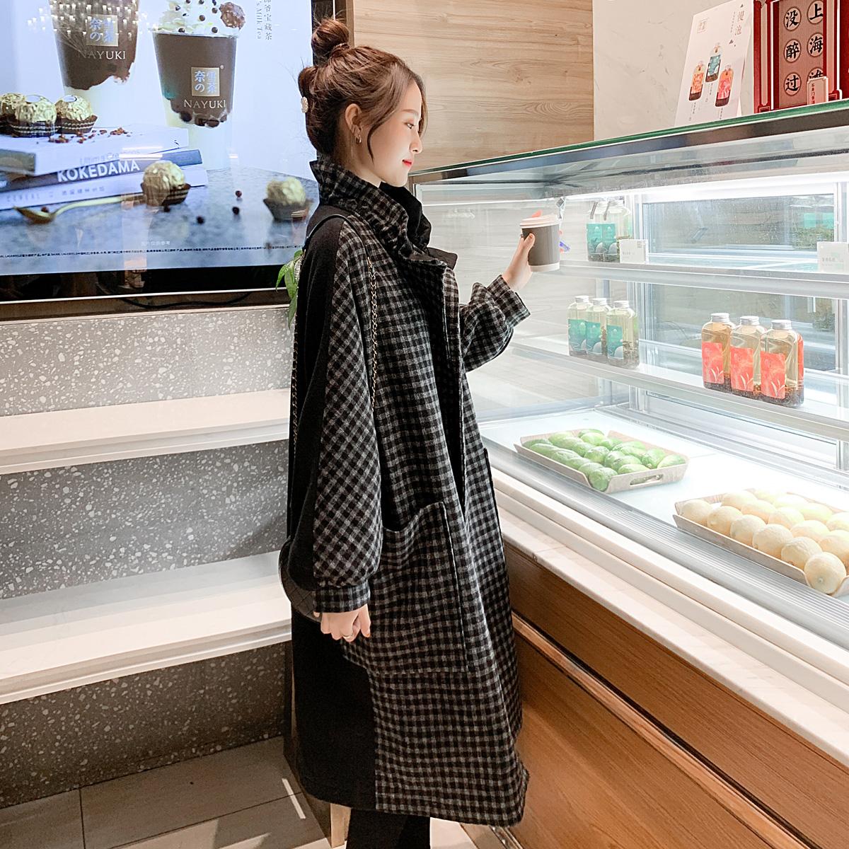 格子毛呢外套女2020秋冬新款流行赫本风斗篷中长款黑色呢子大衣潮