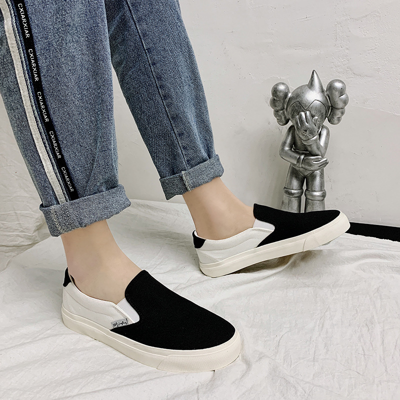 Summer breathable canvas shoes mens Korean version one foot black and white color matching couple shoes students low top lazy shoes mens board shoes