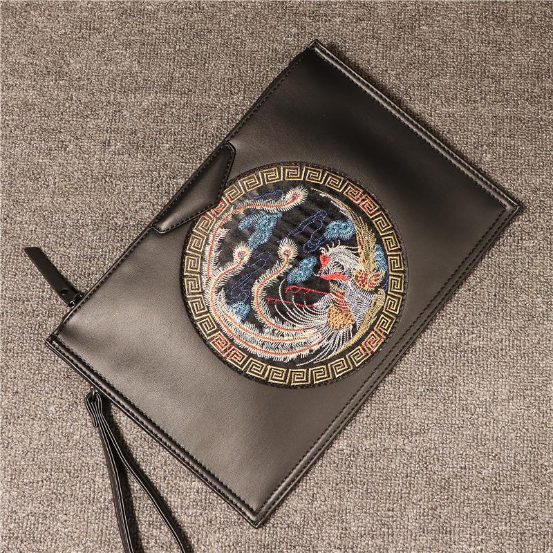 11月24日最新优惠民族风手拿包男潮信封皮刺绣单肩包