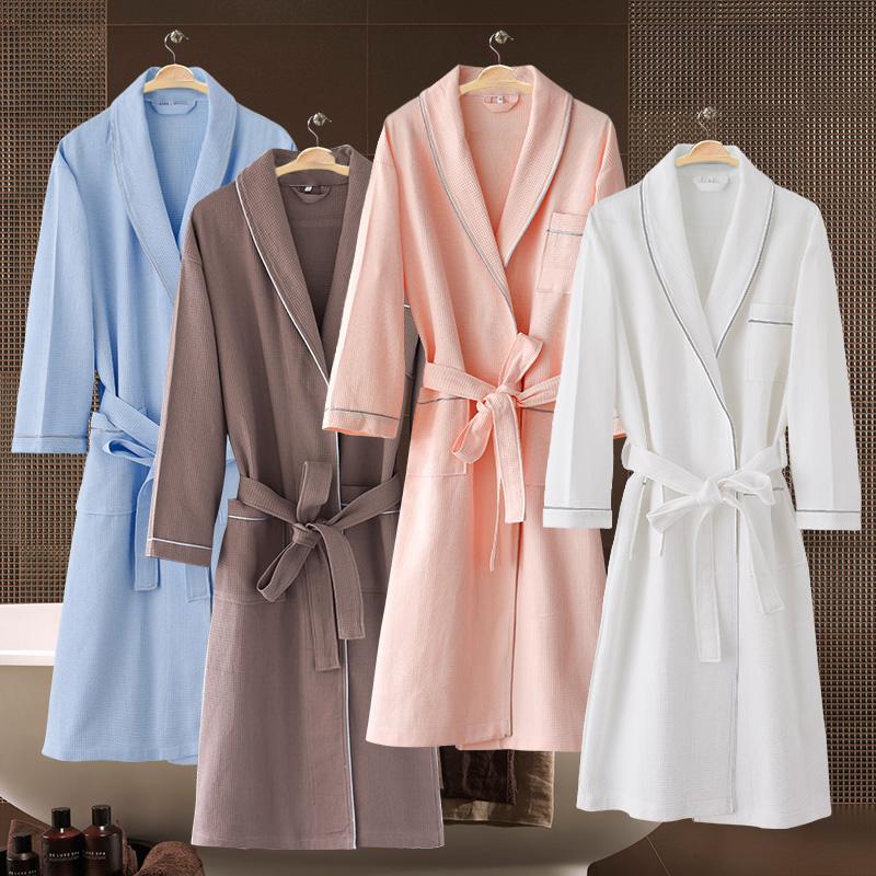 美容院のバスローブの純綿の白色の薄いタイプの大きいサイズに肥料を加えてカスタマイズしたlogo刺繍のホテルは男女兼用です。