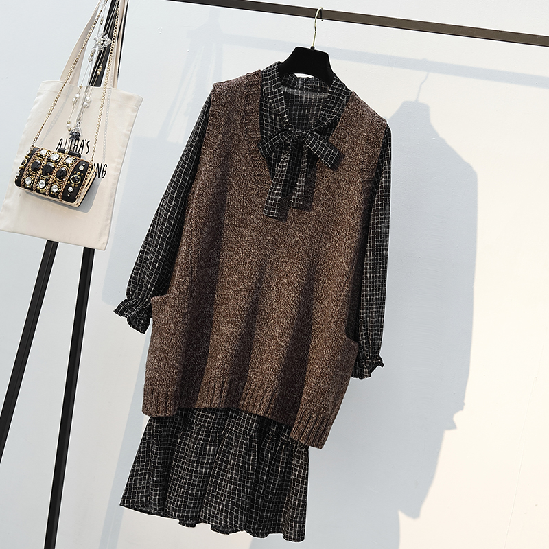 2018秋季新款连衣裙大码女装洋气减龄针织衫两件套装胖mm时髦毛衣