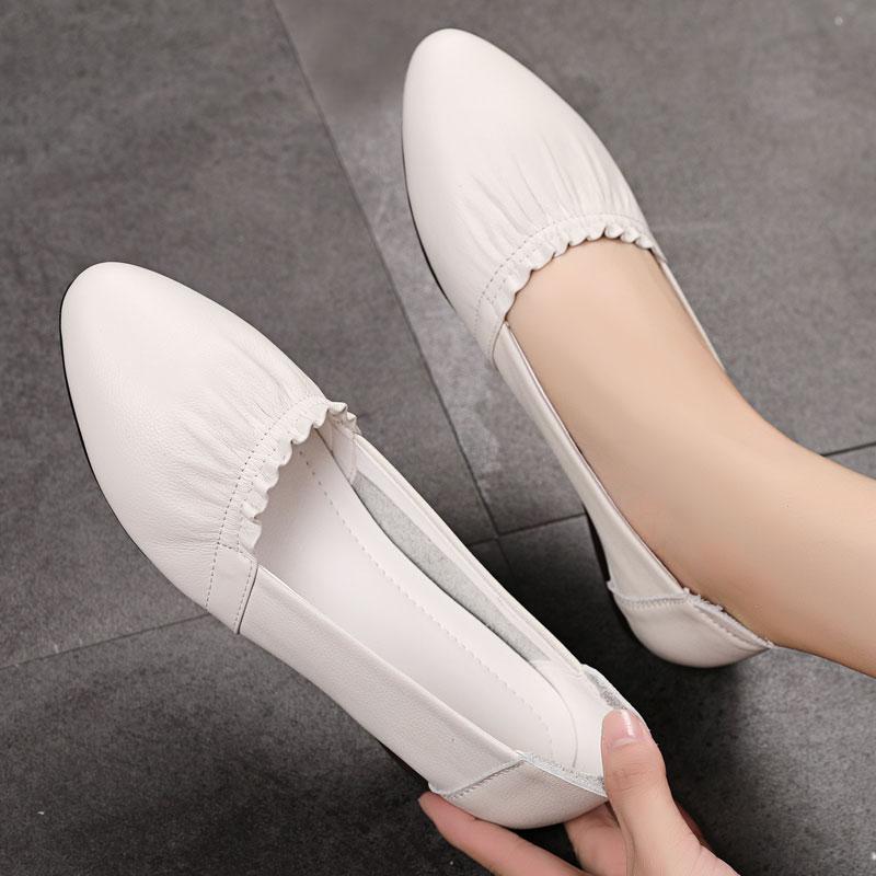 单鞋女平底2021新款夏季休闲皮鞋软底百搭豆豆鞋秋季真皮大码女鞋