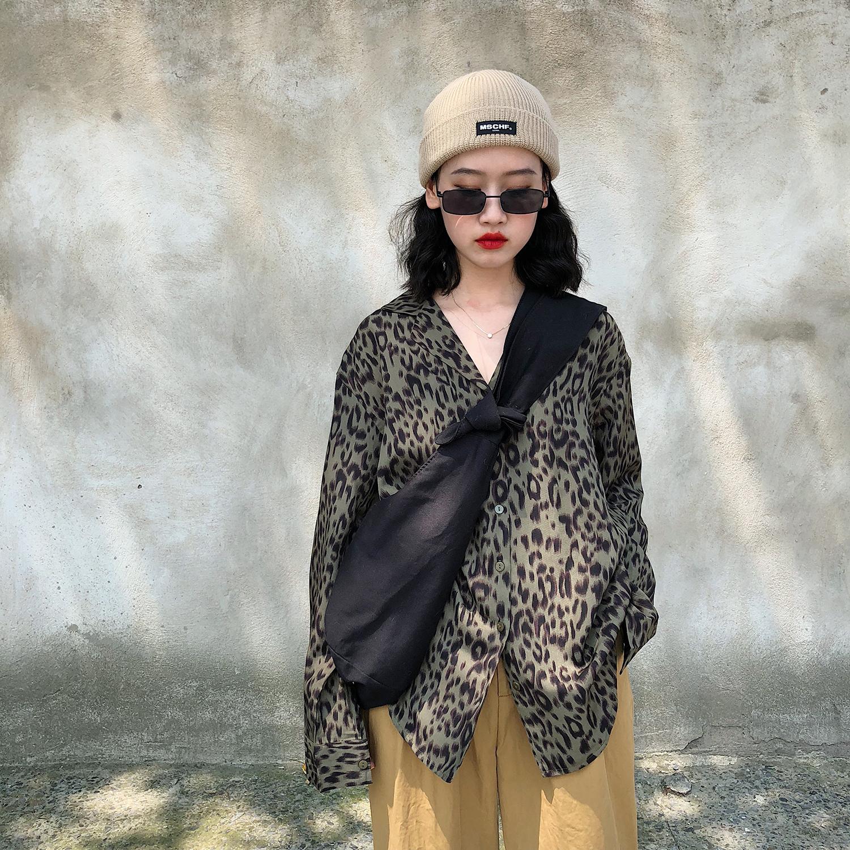 SHADOW自制早秋新款宽松漏锁骨v领上衣女复古豹纹衬衫女长袖韩国