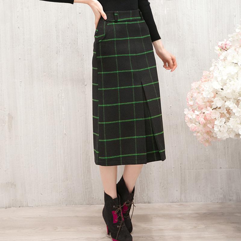 Half length skirt autumn and winter mid length skirt new style womens Retro Wool Plaid long skirt literature and art buttock long skirt