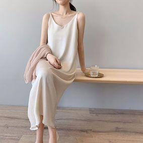 丝绸缎面吊带春夏韩版法式连衣裙