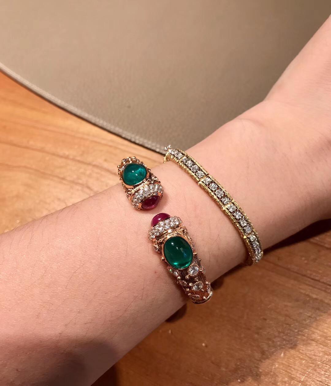 『玥翠』与众不同 古董珠宝女士18k黄金素面祖母绿红宝石钻石手镯