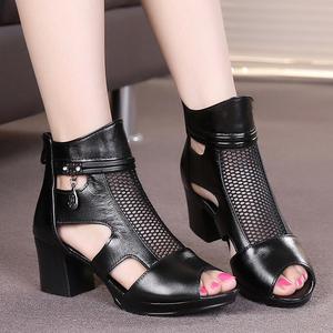 凉鞋女真皮中跟妈妈鞋夏季罗马粗跟鱼嘴百搭镂空网纱韩版女鞋大码