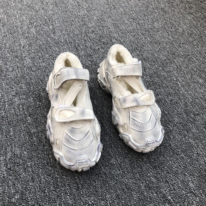 欧洲站女鞋ins网红镂空魔术贴老爹鞋真皮羊毛保暖做旧脏脏小白鞋