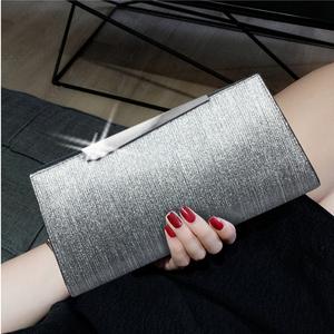 大容量女士真皮手拿包女包斜挎包小包包2019新款潮包时尚气质手包