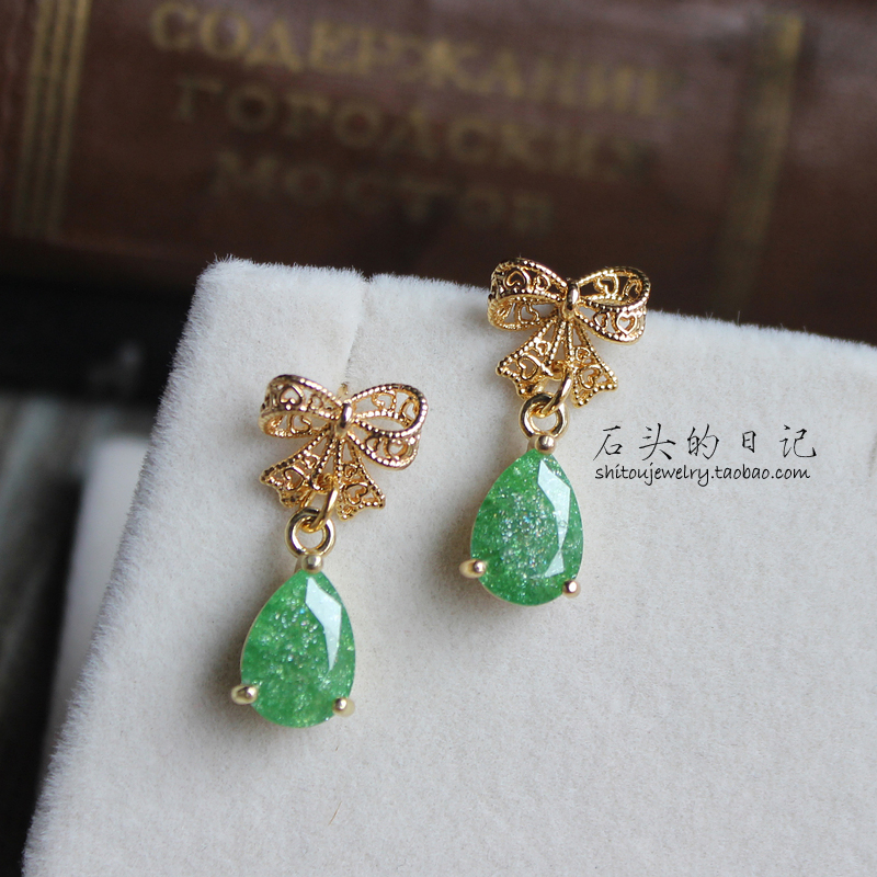 [diary of stone] Emerald Glass gemstone hollow three dimensional Bow Earrings 925 earpins