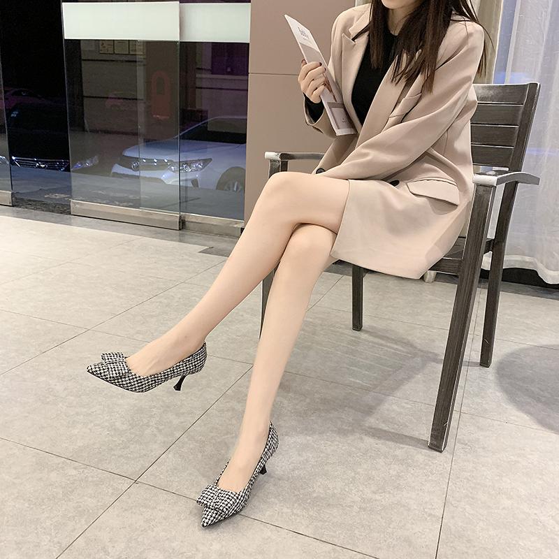 2020春款尖头细跟高跟 绒面蝴蝶节职场OL风格鞋