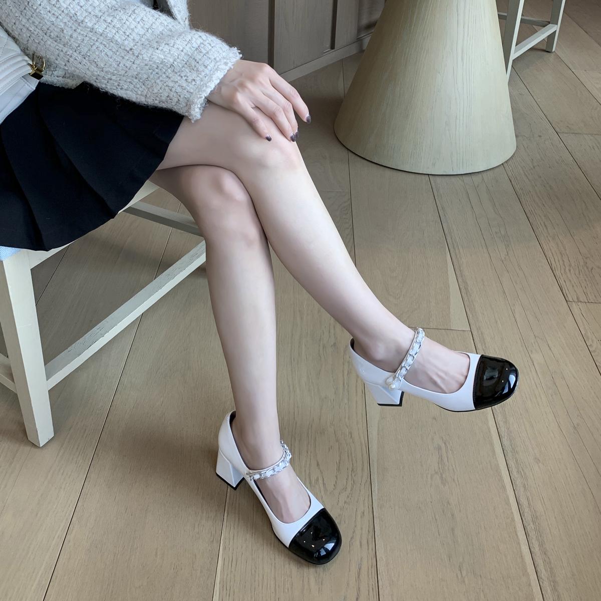 大叔家方头一字扣带玛丽珍鞋网红高跟鞋女2021年新款复古粗跟单鞋