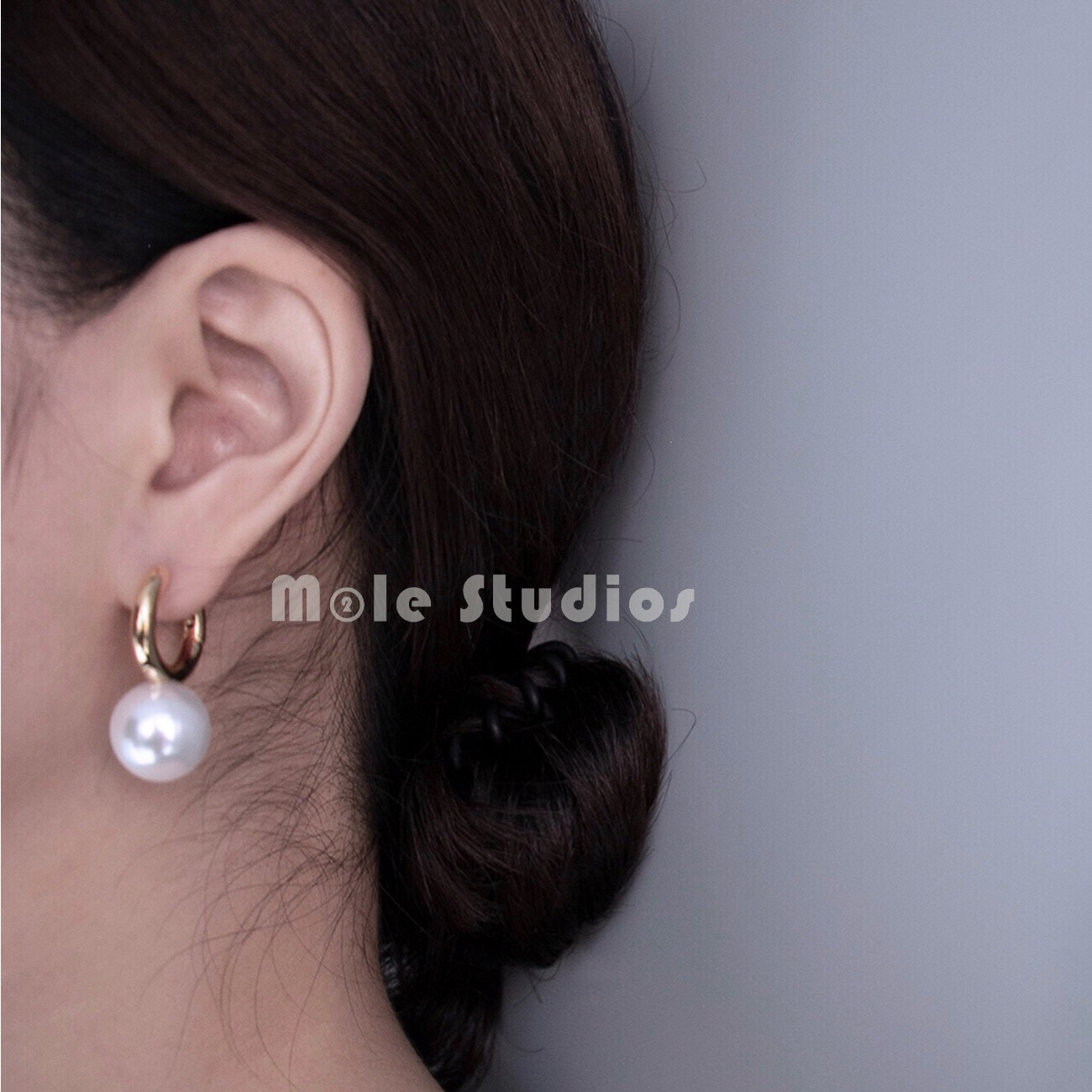 Mole studios / French ins same chic ring imitation pearl earrings copper plated gold earrings