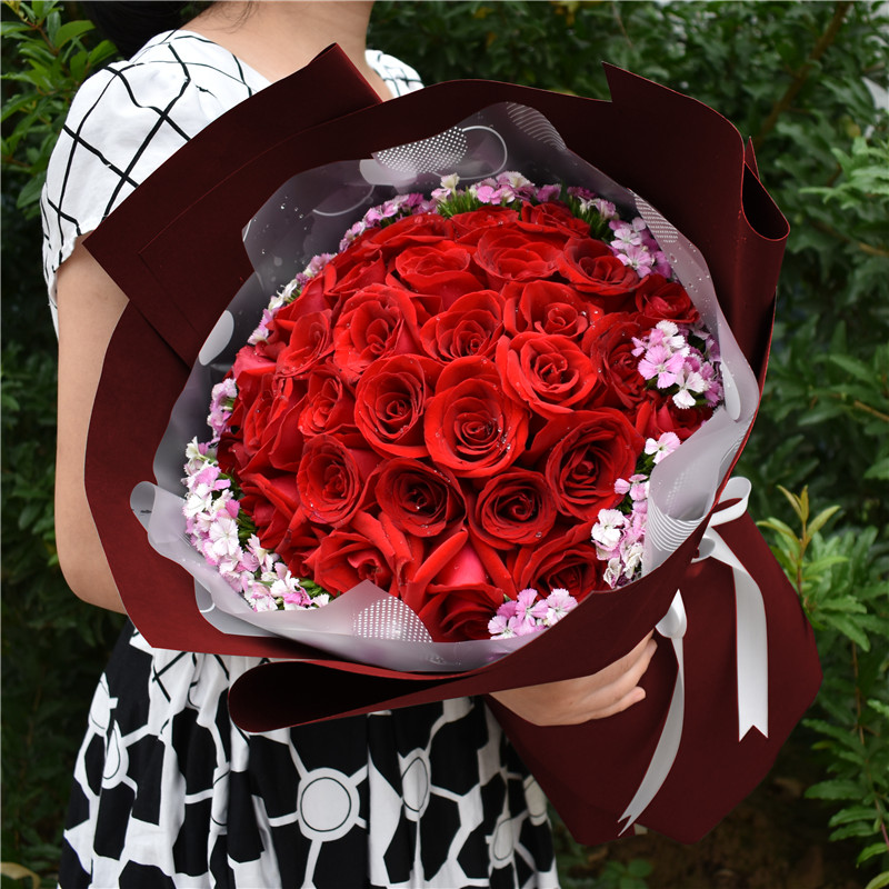 Flower express rose birthday bouquet gift box Luoyang old city Xigong luolongjian Xiehe District