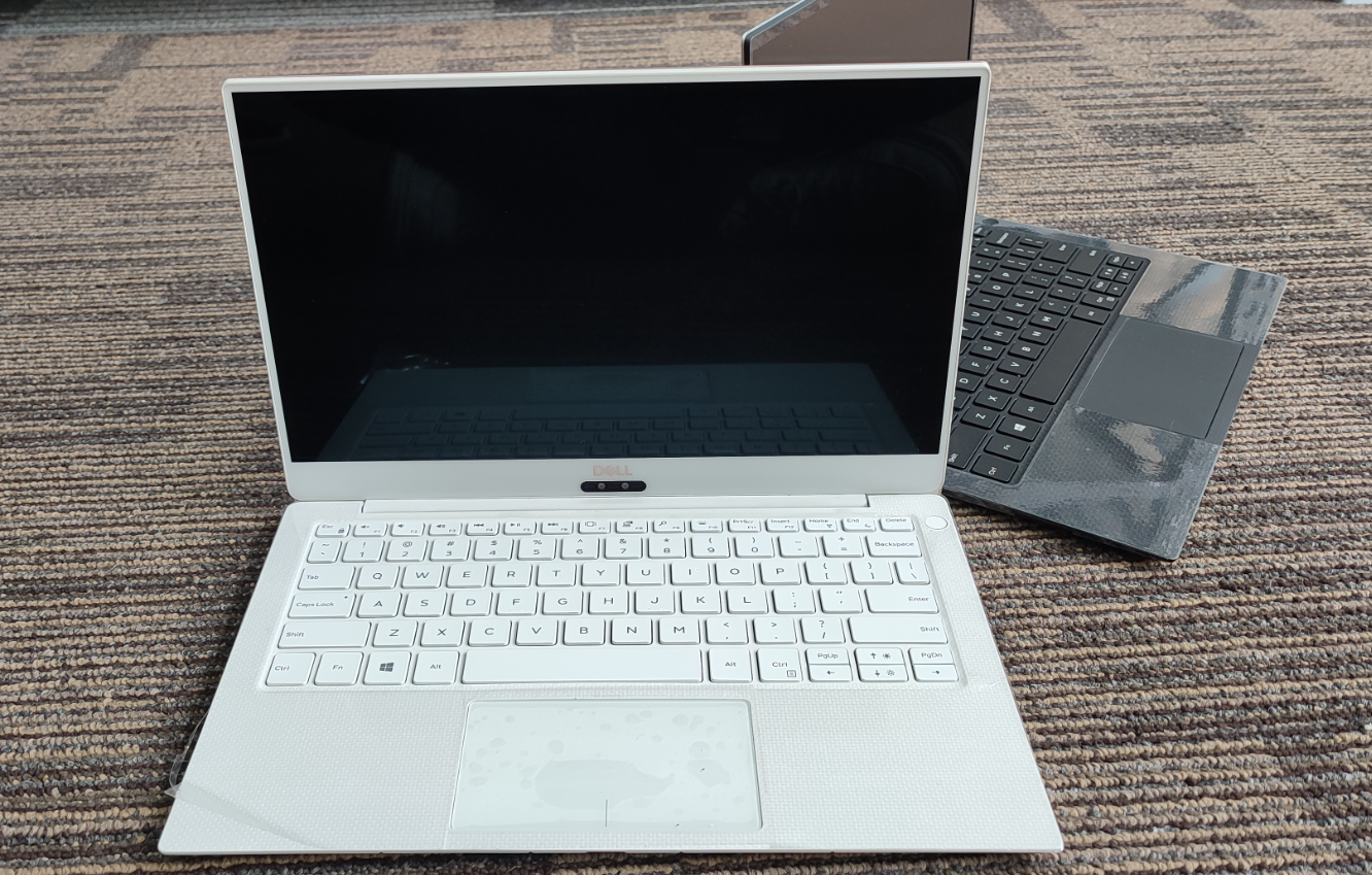 Dell xps13 9360 9365 9370 9380 laptop is light and cool