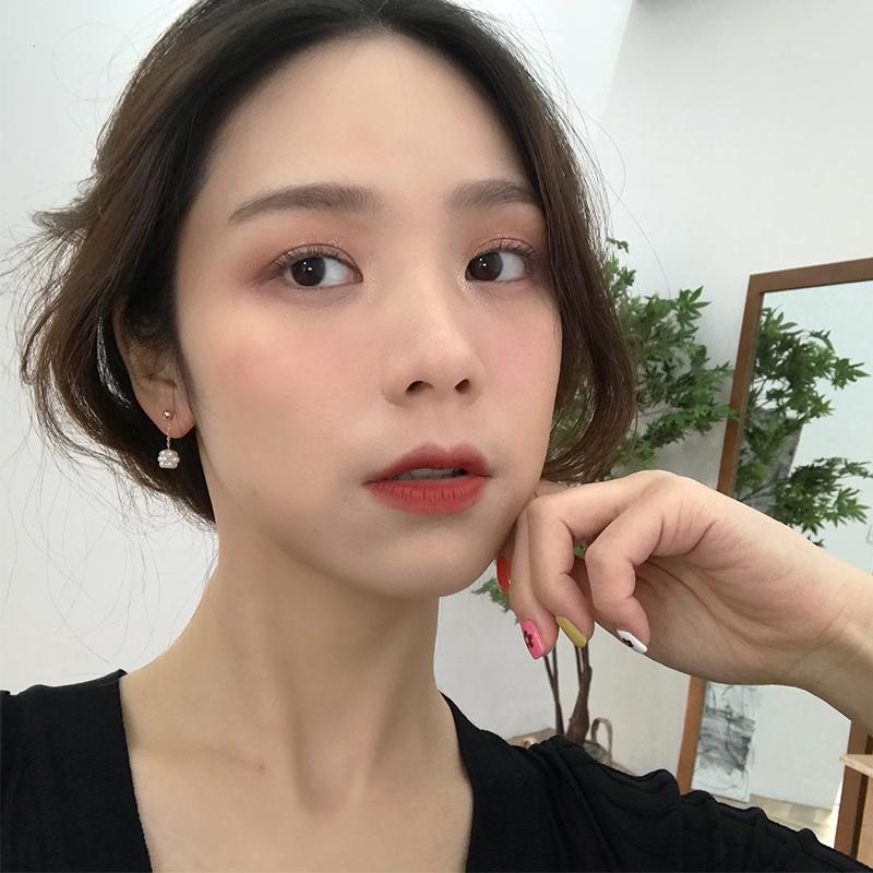 一颗浆果 耳环女韩国气质温柔小珍珠球耳坠小巧迷你耳钉耳夹E861图片