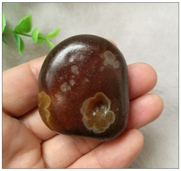 Natural agate stone ornaments: flowers. The original stone landscape is beautiful, small and exquisite, with many discounts