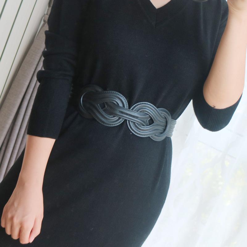 大气百搭编织真皮黑色装饰配裙子