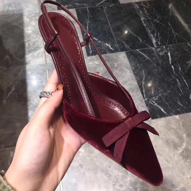 新款春夏酒红黑色丝绒真皮后绊带中跟包头尖头细跟女单鞋高跟凉鞋