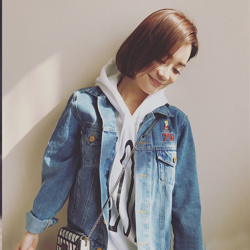 New spring and autumn 2017 yuan Shanshans same cartoon embroidery Zhangzai denim jacket embroidered jacket