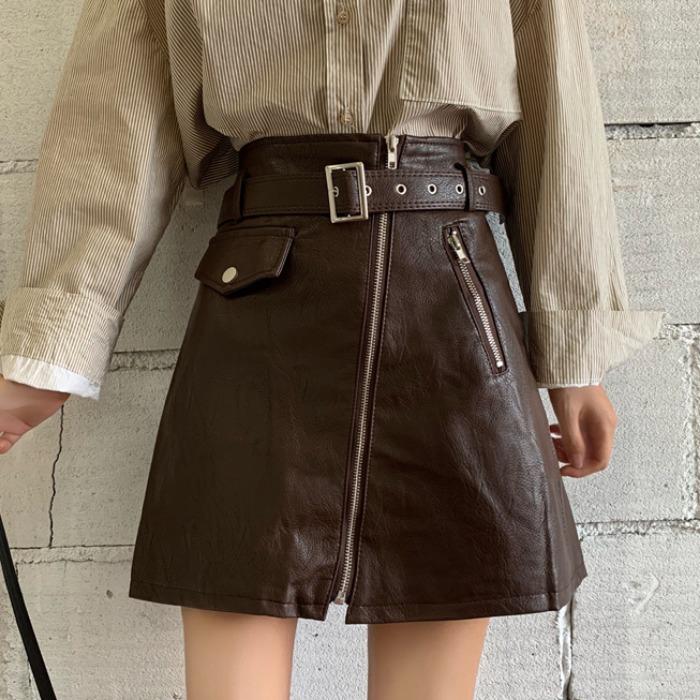 冬天穿皮裙配什么外套好看:穿皮裙配这些外套好看