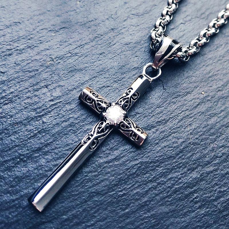 复古花纹闪钻钛钢十字架项链男女士长款情侣吊坠项链个性潮人挂饰