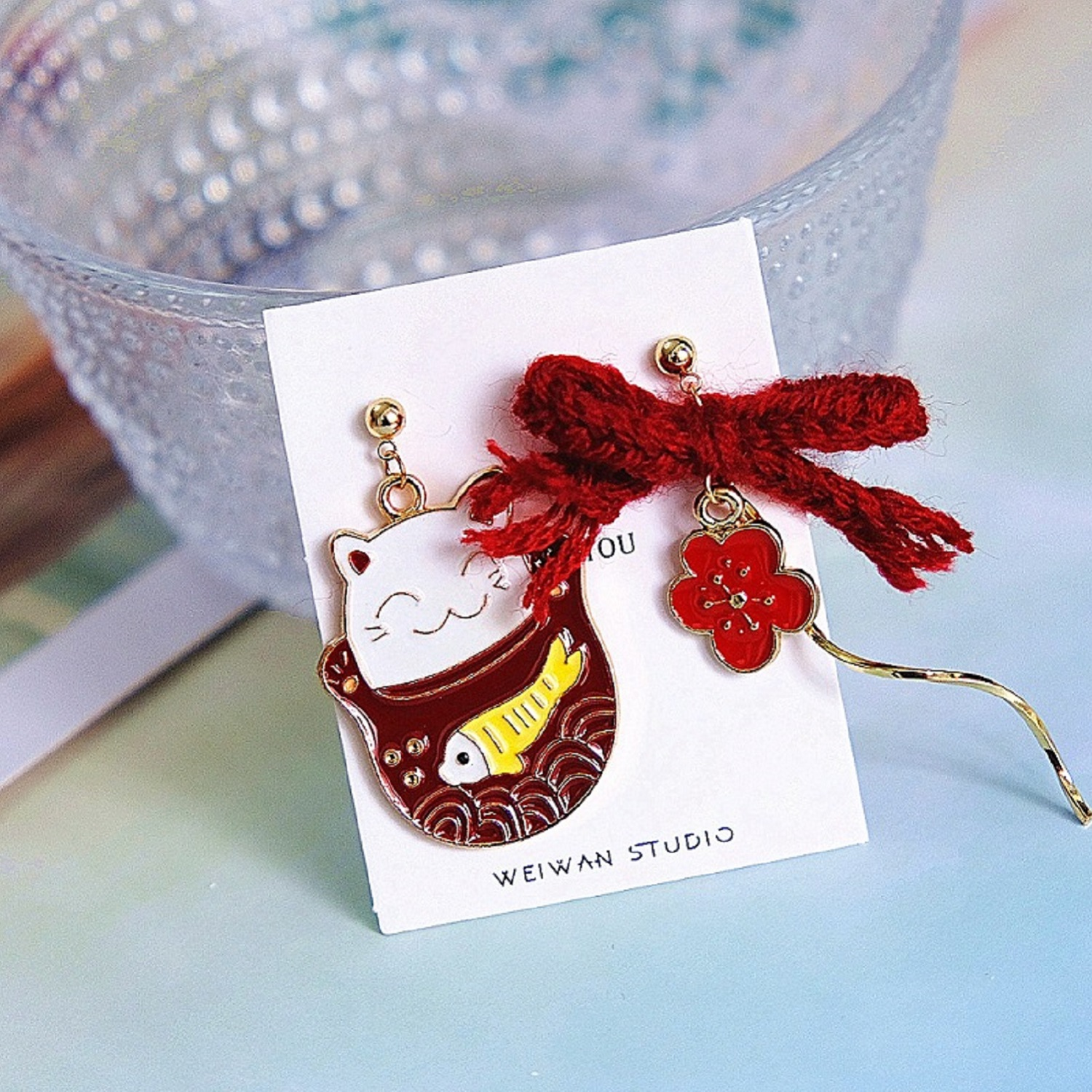 Zhaocai cat red spiral Earrings 2020 new knitting Cherry Blossom Japanese cute girl ear clip without ear hole