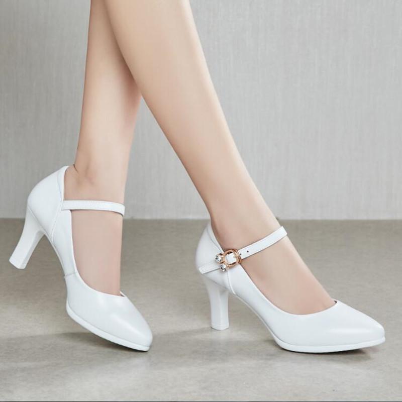 模特走秀高跟鞋一字搭扣纯色礼仪真皮粗跟旗袍秀演出白色尖头女鞋