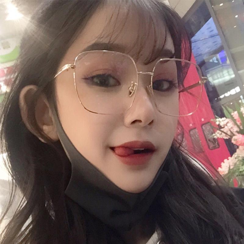 眼镜近视女有度数是假货吗
