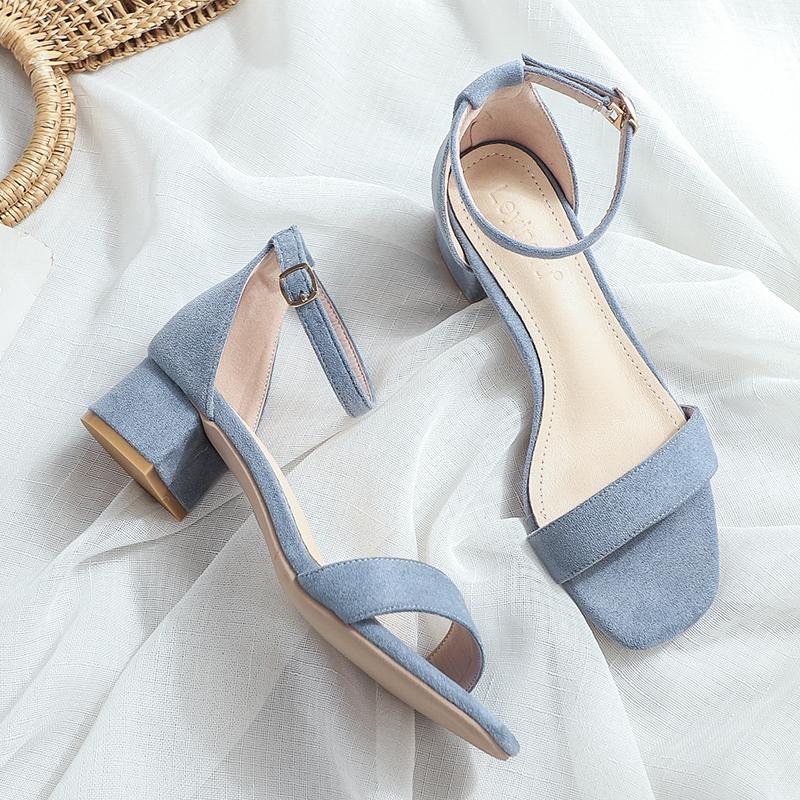 新款粗跟仙女风软底方头一字带裸色女凉鞋2021三厘米小跟凉鞋女夏