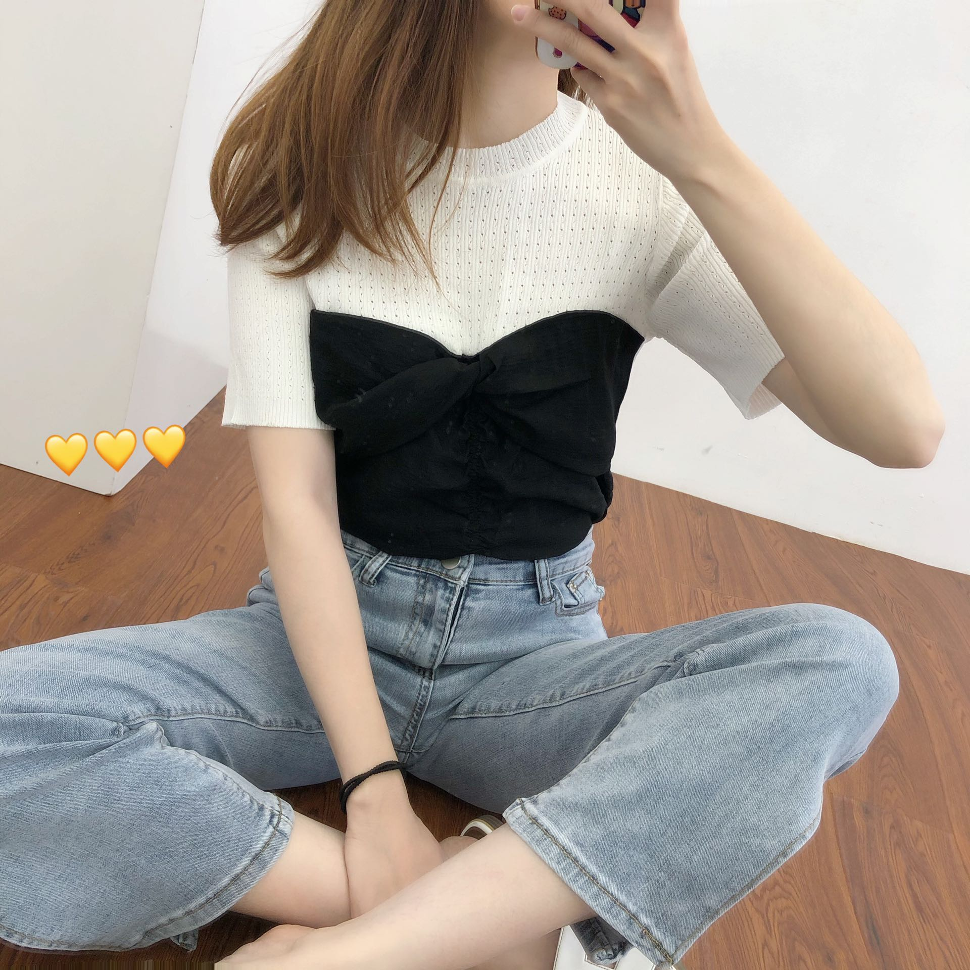 Real shot net red large elastic ice silk stitching T-shirt pleated top hollow Retro Black and white contrast false two pieces show thin