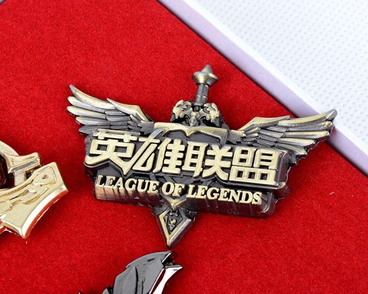 包邮英雄联盟套装徽章周边 排位标志LOL立体金属胸针标志武器模型