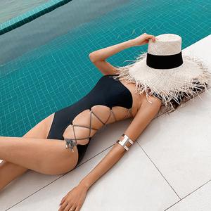 领5元券购买网红ins风镂空单肩比基尼性感泳衣女连体系带小胸聚拢度假游泳衣