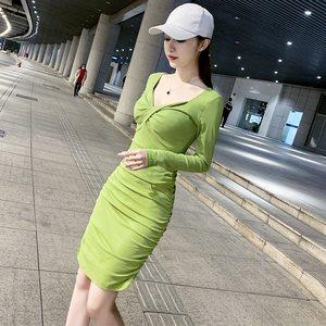 早秋气质连衣裙女秋装2021年新款收腰显瘦性感紧身长袖打底包臀裙