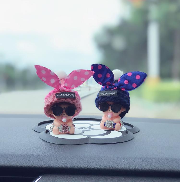 创意可爱卡通汽车内饰摆件漂亮镶钻蒙奇奇中控台女个性车饰用品
