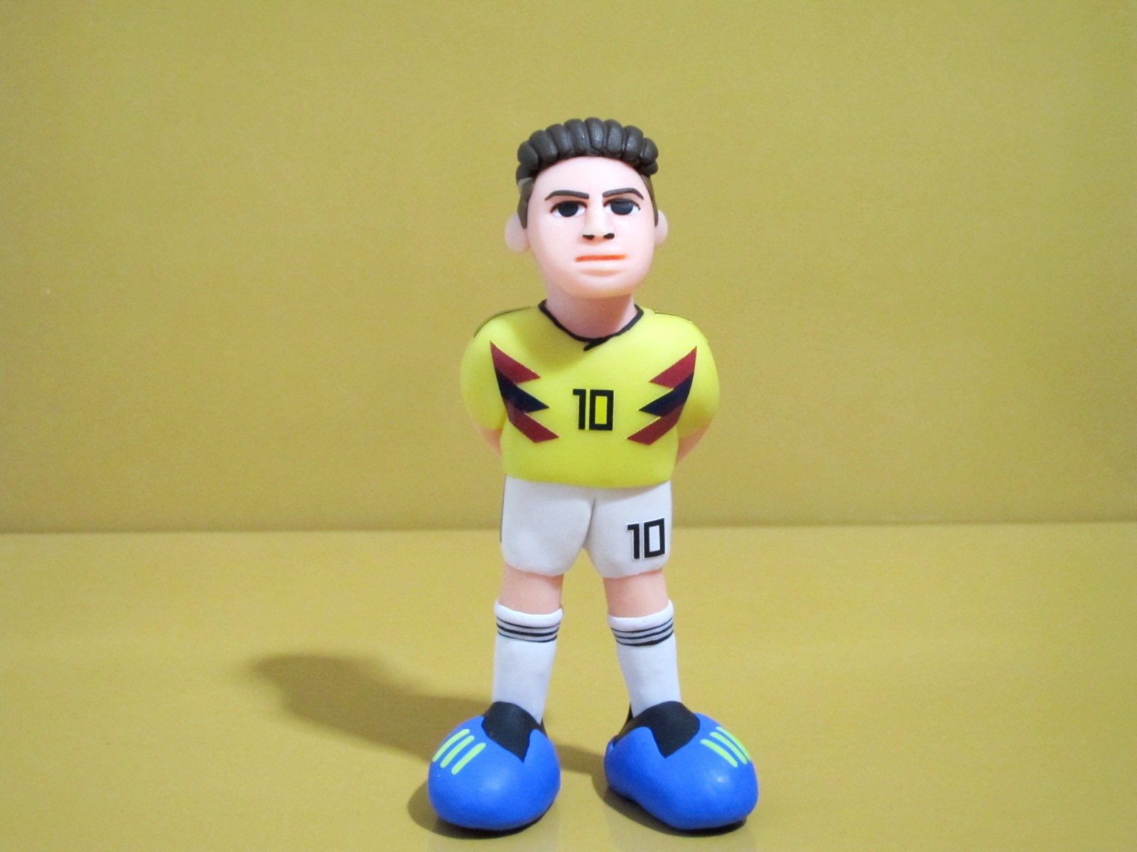 Gifts for boys fashion dolls, dolls, hand-made blind box ornaments, World Cup football star Columbia J Luo