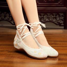 广场舞鞋女新款老北京民族风白色绣花汉服布鞋演出软底古典舞蹈鞋