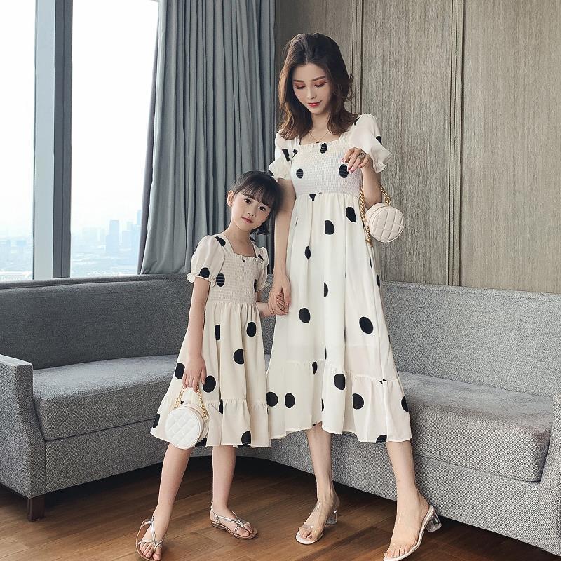 母女连衣裙夏装2021新款超洋气亲子装小女孩夏天女童网红公主裙子