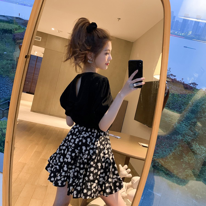 黑色半袖T恤搭小雏菊A字半身裙套装女春季新款上衣短裙洋气两件套